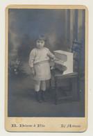 Carte Photographie Fillette Avec Son Piano - Par Photographe B. DELORME-rue Bordeaux à ARBRESLE (Département 69) - L'Arbresle