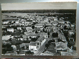 EN AVION AU DESSUS DE ...               ST HILAIRE LA PALUD                    VILLAGE DE MONTFAUCON   ( MONFAUCON ) - Other Municipalities