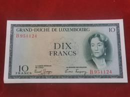 Luxembourg, 10 Francs Charlotte . Uncirculated - Luxembourg