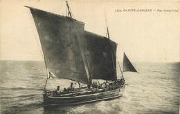 060621A - 33 LA COTE D'ARGENT Par Bonne Brise - Voilier Pêche Pêcheur - Bromotypie Gautreau Langon - Autres Communes