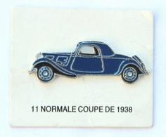 Pin's CITROEN TRACTION 11 NORMALE COUPE De 1938 Sur Son Carton De Présentation - Editions Atlas - K097J - Citroën
