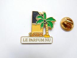 Beau Pin's Pins , Parfum , Briquet BIC , Le Parfum Nu , Palmier - Profumi