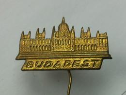 Badge Z-34-10 - BUDAPEST - Steden