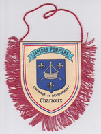 FANION  ECUSSON TISSU  -  SAPEURS POMPIERS CHARROUX VIENNE 86 - TOUR CHARLEMAGNE - Stoffabzeichen