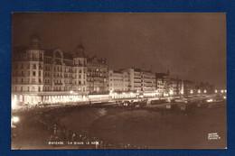 Ostende. La Digue, Le Soir. Hôtel Continental Et Hôtel De La Place - Oostende
