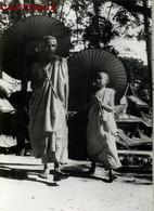 PHOTOGRAPHIE ANCIENNE : BIRMANIE MYANMAR BURMA PRETRE BOY CHILDREN ETHNOLOGIE ETHNIC ASIE - Myanmar (Burma)
