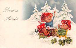 Bonne Année - Nains, Lutins, Gnomes Avec Chapeaux En Champignon - Verre De Champagne - Trèfles - Neige - New Year