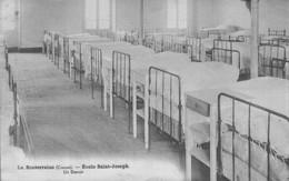 H0806 - La Souterraine - D23 - Ecole Saint Joseph - Un Dortoir - La Souterraine