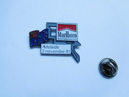 Beau Pin's Pins En Relief , Tabac , Tobacco , Marlboro , Auto , GP F1 Adelaïde - F1