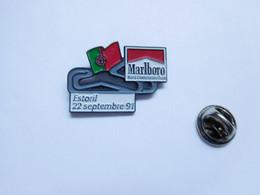 Beau Pin's Pins En Relief , Tabac , Tobacco , Marlboro , Auto , GP F1 Estoril , Portugal - F1