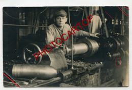 Fabrication D'OBUS-STUTTGART-Technique-Tournage-Munition-CARTE PHOTO Allemande-Guerre 14-18-1WK-Militaria- - Guerra 1914-18