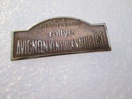 PIN'S     RALLYE  AVIGNON VENTOUX  VAUCLUSE - Rallye