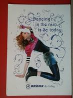 KOV 486-3 -  GIRL, CHICO, FILLE, WOMAN, BRONX DANCING, DANSE, SHOES - Women