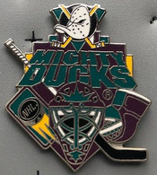 HOCKEY SUR GLACE - ICE - NHL - MIGHTY DUCKS - CASQUE - MASQUE - CANARD - CANNE - GOALIE - EGF - EISHOCKEY - GOAL -  (26) - Sport Invernali