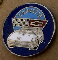 VOITURE - CAR - CORVETTE BLANCHE - WHITE - AUTOMOBILE - AUTO - WEISS - DRAPEAU A DAMIERS -   (JAUNE) - Corvette