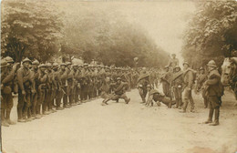 RUSSIE , RUSSIA  Mailly Le Camp ( Carte Photo)  Soldats Russes Qui Dansent - Russia
