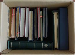 P_ Großer Karton Mit 17 Einsteckbüchern  Bzw. Alben - Viel Europa + Motive - Collections (with Albums)