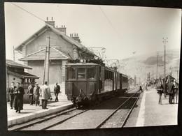 Photographie Originale De J.BAZIN Numérotée : Locomotive Et Rame En Gare De La Motte Les Bains  En 1962 - Trains