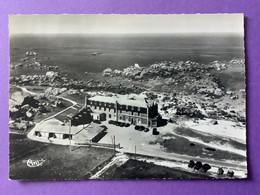 29   CPSM   BRIGNOGAN   L'Hôtel De La Mer   Très Bon état - Brignogan-Plage
