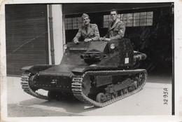 FO- 00383- FOTO MILITARI ITALIANI SU MINI CARRO ARMATO SECONDA GUERRA MONDIALE - War, Military