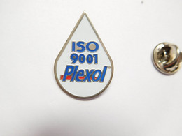 Beau Pin's Pins , Gaz Carburant Essence , Oil , Huile ,  Plexol ; ISO 9001 , Evonik Industries - Carburanti