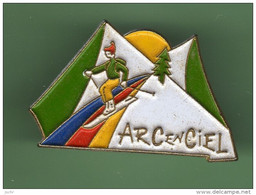 SKIEUR *** ARC EN CIEL *** 2111 - Sport Invernali
