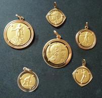 Lot De 5 Médailles - Pétanque    (750 )  Réf, M05 - Bowls - Pétanque