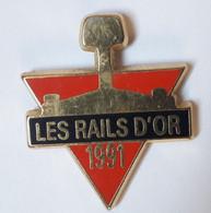 QQ47 Pin's SNCF TGV Cinéma Les Rails D'or Association Cheminots Cinéphiles Ceux Du Rail Signé Pichard Achat Immédiat - Cinema