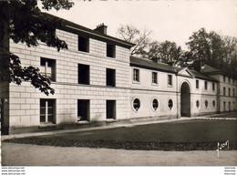 D60  MORTEFONTAINE  Institut St Thomas D'Aquin Prieuré Notre Dame De Toutes Grâces  Façade Ouest Du Pensio - Andere Gemeenten