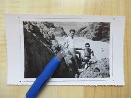 HOMME EN MAILLOT DE BAIN 1951 - PHOTOGRAPHIE - PERSONNES ANONYMES - PERSONNE - Personas Anónimos