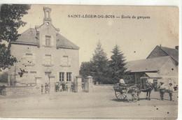 CPA   SAINT - LEGER DU BOIS   Ecole De Garçons - Autres Communes