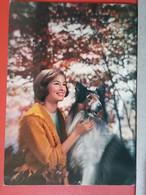 KOV 504-13 - DOG, CHIEN, HUND, WOMAN, GIRL, CHICO, FILLE - Chiens