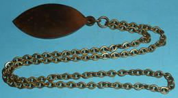 Rare Médaille En Métal, Sigillum Confrérie De St Saint-Vincent D'Ambonnay, Vin Vigne Vigneron Pressoir - Professionals / Firms