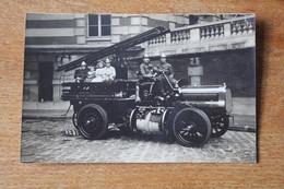 Carte Photo Sapeurs Pompiers De Paris  Camion Avec échelle Vers 1910 - Brandweer