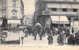 72 - LE MANS La Rue Du Cornet Un Jour De Marché ( Brasserie Restaurant AUTOMOBILE CLUB ) CPA - Sarthe - Le Mans
