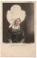 """CPA Folklore. La Normandie. 11. Etudes De Costumes. Le Bonnet Rond - Ed. """"La CPA"""" - Dos Simple - Costumes"""