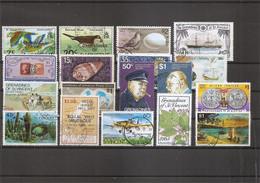 Saint-Vincent Et Grenadines ( Lot De Timbres Divers Différents Oblitérés) - St.Vincent Y Las Granadinas