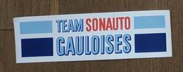 AUTOCOLLANT STICKER - TEAM SONAUTO GAULOISES - CIGARETTES - COURSE AUTOMOBILE - IMPORTATEUR PORSCHE - Autocollants