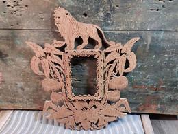 Ancien Cadre Photo Bois Chantourné XIXème Lion Jungle Coloniale - Arte Popular