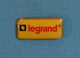 1 PIN'S //  ** LEGRAND®/ MATÉRIEL ÉLECTRIQUE ** - EDF GDF