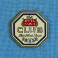 1 PIN'S //  ** STELLA ARTOIS CLUB / BIÈRE BLONDE SPÉCIALE ** - Birra