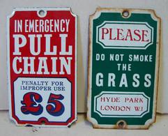 Lot. 1626. Deux Mini Plaques émaillées - Plaques En Tôle (après 1960)