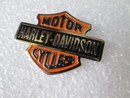 PIN'S    HARLEY DAVIDSON   MOTOR CYCLES - Motorfietsen