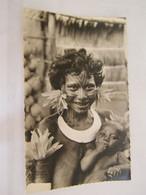 CPA - Océanie - Papouasie Nouvelle Guinée - Maman Papoue (Côté Sud Est) Et Son Bébé - Seins Nus  - 1950 - SUP  (FC 87) - Papua Nuova Guinea