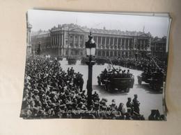 Photo Du Défilé De 1945  Paris - Les Canons Anti-aériens Bofors - Guerra, Militari