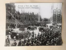 Photos Du Défilé De 1945  Paris - Auto Mitrailleuse - Guerra, Militari