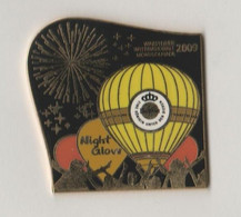 Pin's Montgolfière WARSTEINER  NIGHTGLOW 2009  300 EX Numéro 263. - Mongolfiere