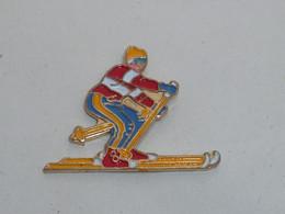 Pin's SKIEUR G - Sport Invernali
