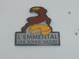 Pin's L EMMENTAL, UNE BONNE NATURE - Alimentazione
