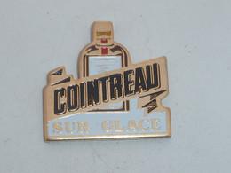 Pin's APERITIF COINTREAU SUR GLACE - Bevande